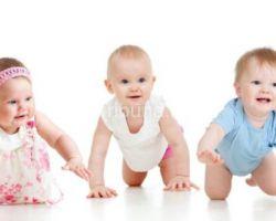 Как научить ребёнка ползать?