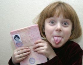 Нужно ли вписывать детей в паспорт родителей? Обязательно ли это делать?