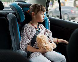 Укачивает ребенка в машине. Что делать?