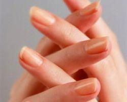 Желтые ногти: причины