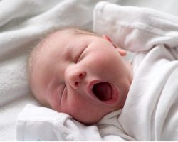 Короткая уздечка языка (анкилоглоссия) у новорожденных