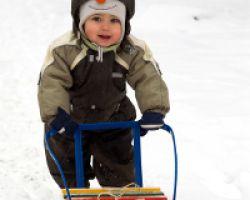 Как выбрать санки для ребенка?