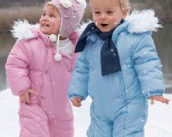 Выбираем зимний комбинезон для ребенка