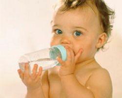 Детские смеси: полезны ли они ребенку